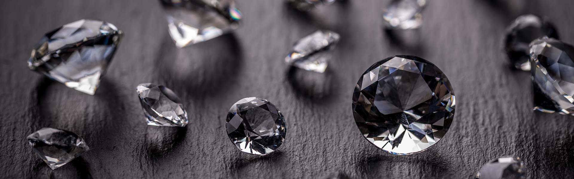 A picture of loose diamonds