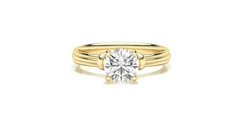 round cut diamond engagement ring
